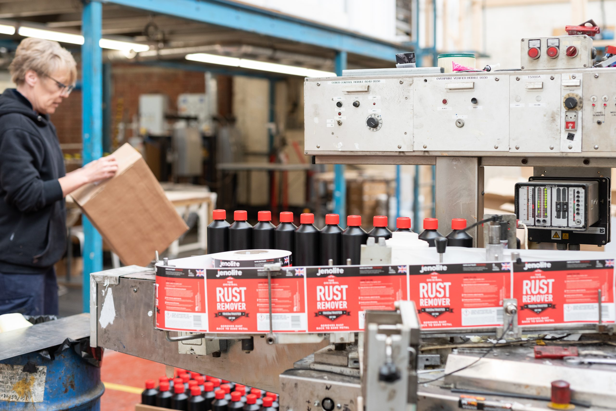 Labelling products before packing | Cedesa