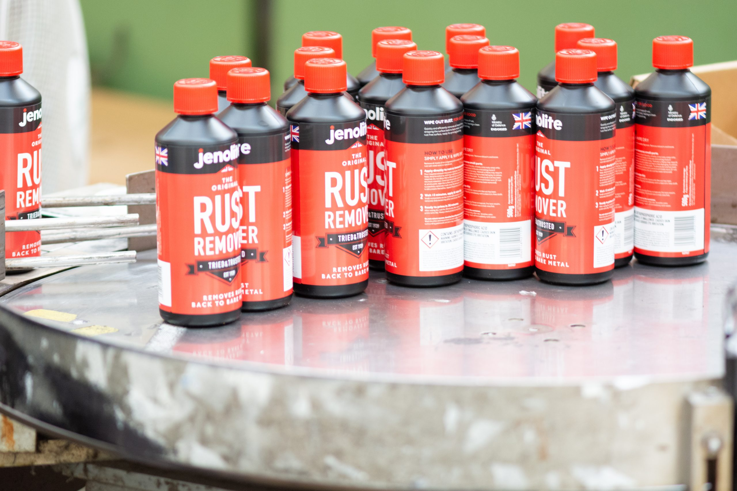 Rust removal products being prepared for retail sale | Cedesa